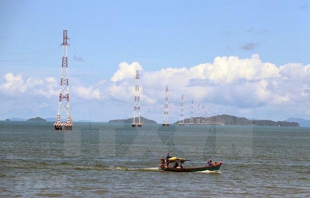 Vietnam extiende red electrica a zonas rurales e islenas hinh anh 1