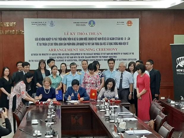 Vietnam y Nueva Zelanda firman acuerdo sobre certificado digital para despacho de productos agricolas hinh anh 1
