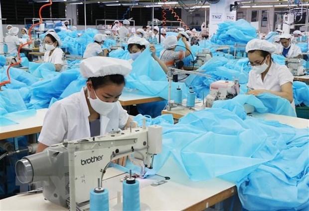 Empresa japonesa invierte en produccion de trajes protectores en Vietnam hinh anh 1