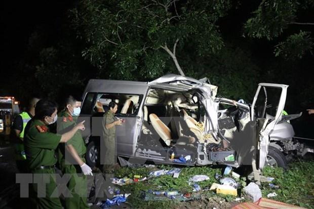 Ocho muertos y siete heridos en accidente de transito en provincia vietnamita de Binh Thuan hinh anh 1