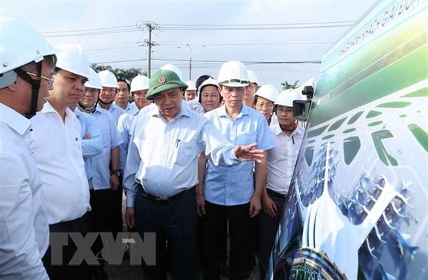 Premier de Vietnam exige acelerar liberacion de terreno para construccion de aeropuerto Long Thanh hinh anh 1