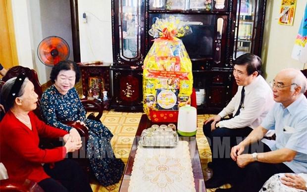 Entregan en Vietnam asistencias a beneficiarios de politicas preferenciales hinh anh 1