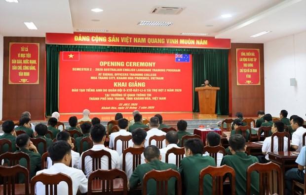 Inauguran curso del idioma ingles para militares vietnamitas patrocinado por Australia hinh anh 1