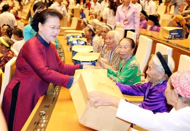 Honran en Vietnam los sacrificios de las madres heroicas hinh anh 1