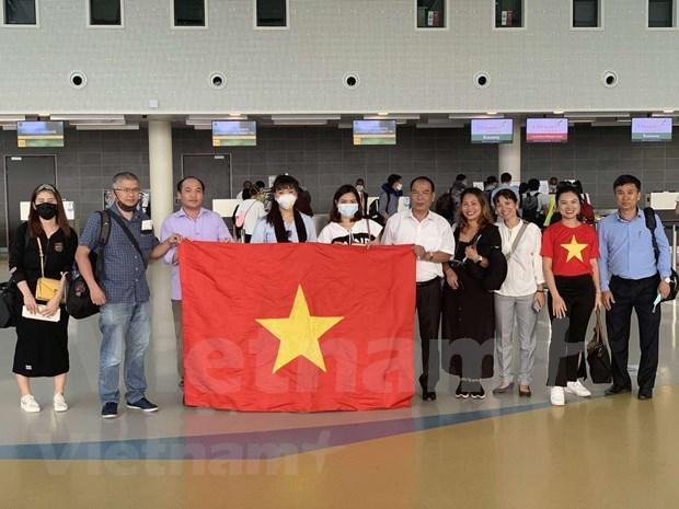 Regresan a casa ciudadanos vietnamitas varados en Africa y Europa por coronavirus hinh anh 1