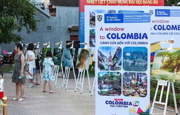 Efectuan exposicion fotografica de paisajes colombianos en Vietnam hinh anh 1