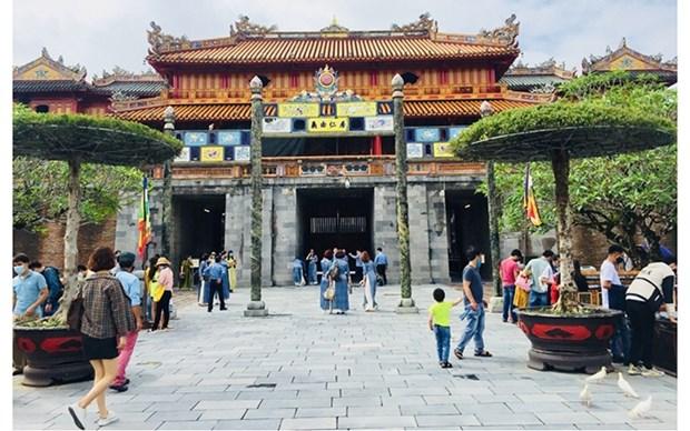 Visitantes podran entrar gratis a monumentos durante el Festival de Hue 2020 hinh anh 1