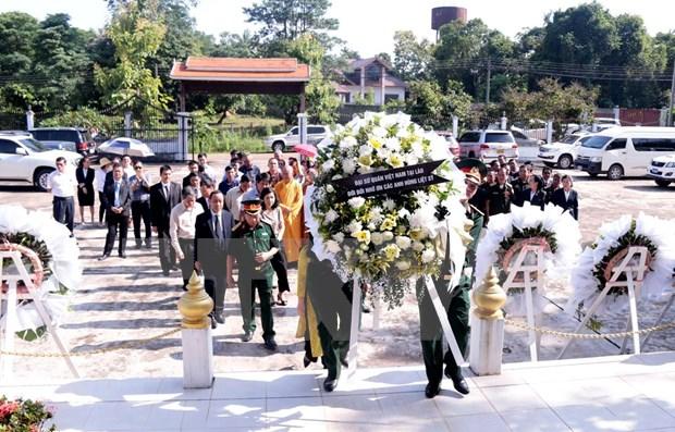 Conmemoran en Laos el Dia de Invalidos de Guerra y Martires de Vietnam hinh anh 1