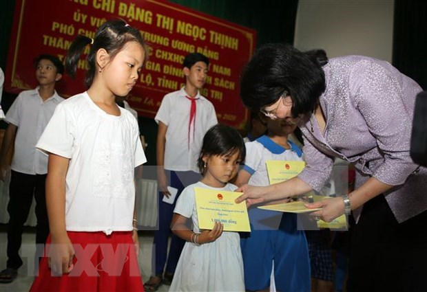Efectuan en Quang Tri diversas actividades en homenaje a los martires vietnamitas hinh anh 1
