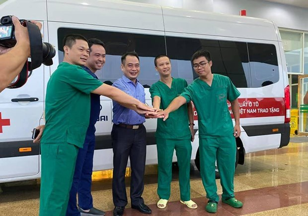 Despega vuelo especial de Vietnam Airlines a Guinea Ecuatorial para repatriar a 219 coterraneos hinh anh 1