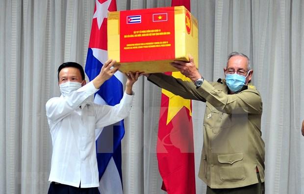Enaltecen Vietnam y Cuba colaboracion en combate al COVID-19 hinh anh 1