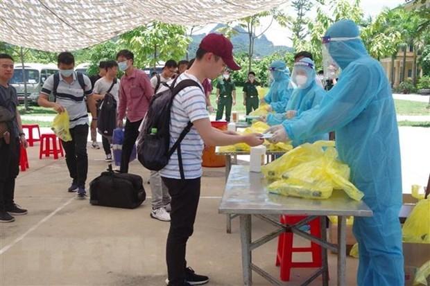 Cuatro pacientes de COVID-19 en Vietnam reciben alta medica hinh anh 1
