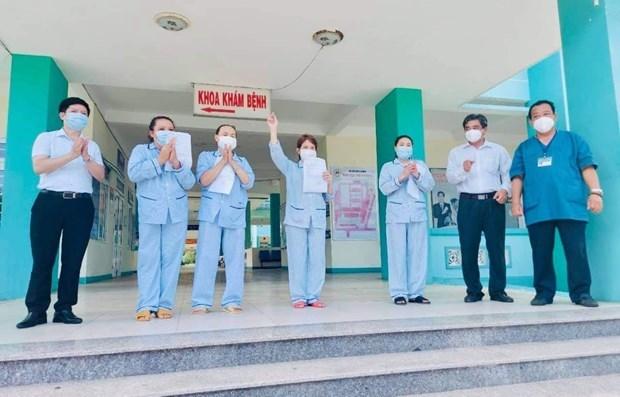 Mas pacientes del COVID- 19 reciben el alta en Vietnam hinh anh 1