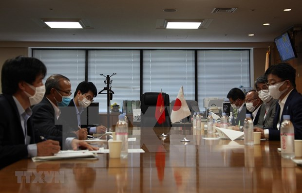 Japon se compromete a apoyar a aprendices vietnamitas afectados por el COVID-19 hinh anh 1