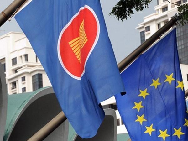 Union Europea anuncia tres nuevos programas de cooperacion con ASEAN hinh anh 1