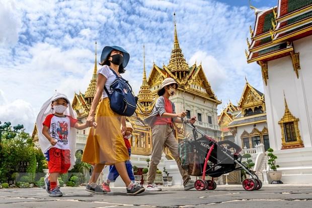 Tailandia: Nuevos ministros juramentan su cargo ante el Rey hinh anh 1