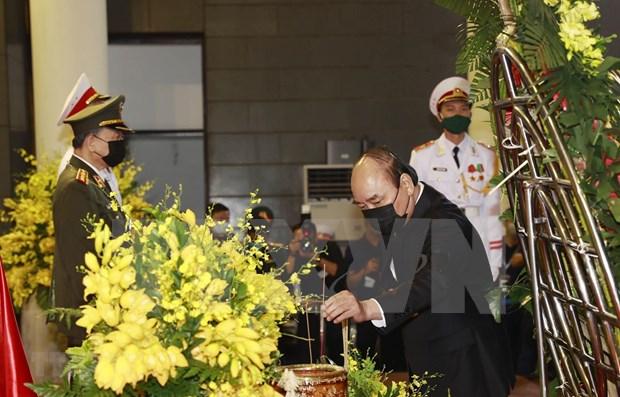 Dirigentes vietnamitas muestran condolencias por deceso del exmaximo dirigente partidista Le Kha Phieu hinh anh 1