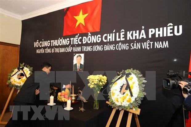 Vietnamitas en el mundo rinden homenaje postumo a Le Kha Phieu hinh anh 1