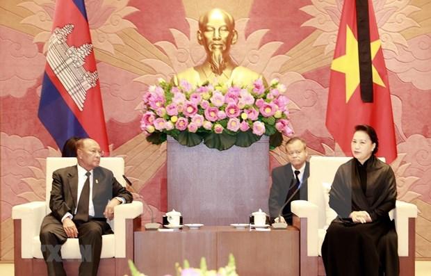 Maxima legisladora de Vietnam se entrevista con su par de Camboya hinh anh 1