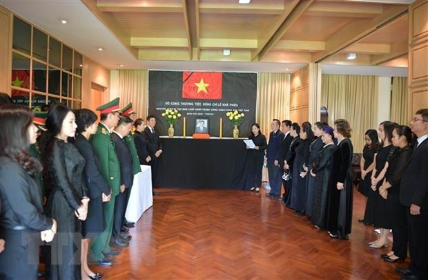 Rinden tributo al exsecretario general Le Kha Phieu en Tailandia hinh anh 1