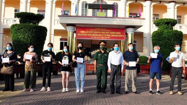 Completan periodo de aislamiento ciudadanos vietnamitas provenientes del extranjero hinh anh 1