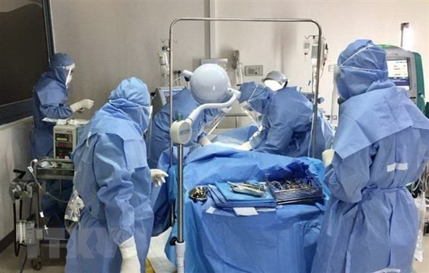 Vietnam reporta otro caso fatal relacionado con el COVID-19 hinh anh 1