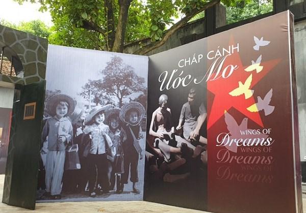 Celebraran exhibicion en saludo a importantes efemerides de Vietnam hinh anh 1