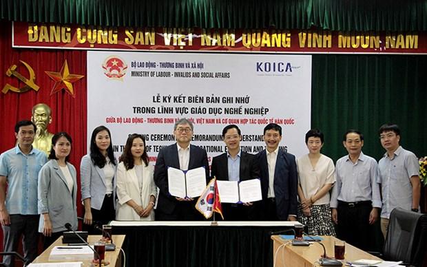 Impulsan Vietnam y Corea del Sur cooperacion en formacion vocacional hinh anh 1
