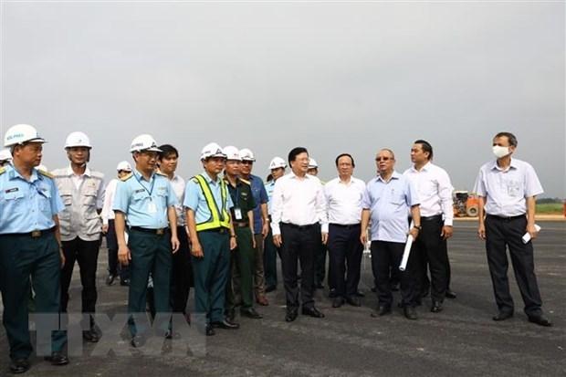 Instan a garantizar seguridad durante la reparacion del aeropuerto de Noi Bai hinh anh 1