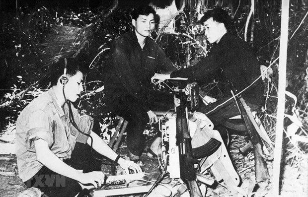 Agencia Vietnamita de Noticias honrada con titulo del Heroe de Fuerzas Armadas Populares hinh anh 1