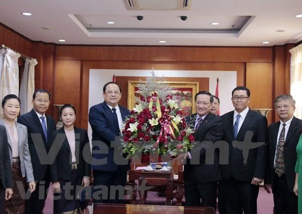 Felicitan dirigentes laosianos a Vietnam por 75 aniversario de su independencia hinh anh 1