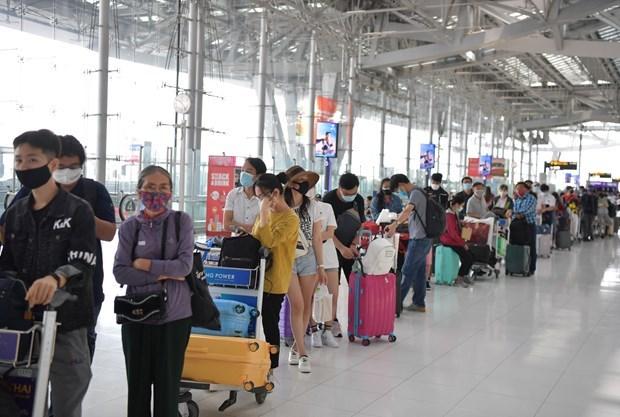 Recibe Vietnam a otros 340 ciudadanos varados en Tailandia hinh anh 1
