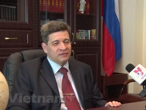 Academicos rusos aprecian avances de Vietnam hinh anh 1
