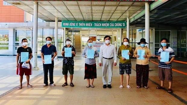Reciben alta medica 13 pacientes de coronavirus en provincia vietnamita hinh anh 1