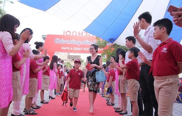 Vietnam: 23 millones de alumnos inician curso escolar 2020-2021 hinh anh 1