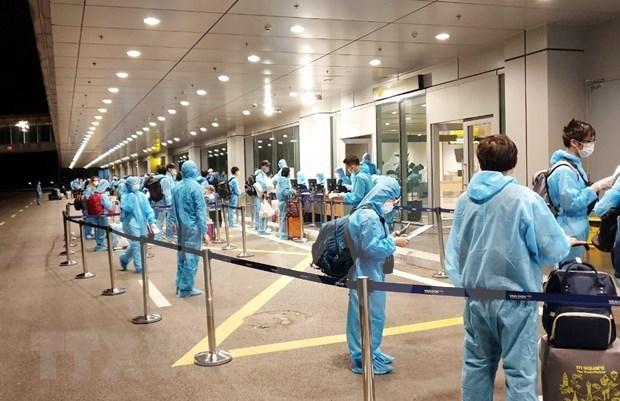Repatrian 350 ciudadanos vietnamitas de Australia y Nueva Zelanda hinh anh 1