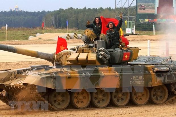 Vietnam triunfa en Biatlon de Tanques en los Juegos Militares Internacionales 2020 hinh anh 1