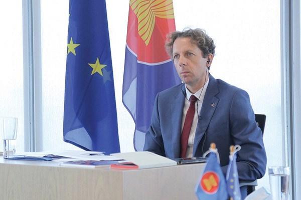 Union Europea otorga 200 becas de maestria a paises del Sudeste Asiatico hinh anh 1