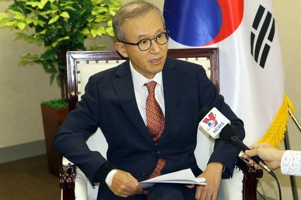 Embajador surcoreano en ASEAN destaca liderazgo de Vietnam frente al COVID-19 hinh anh 1