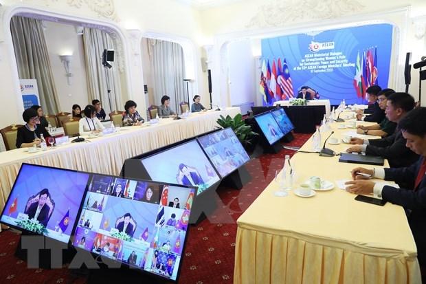 ASEAN concede importancia a empoderamiento femenino por la paz y seguridad sostenible hinh anh 1