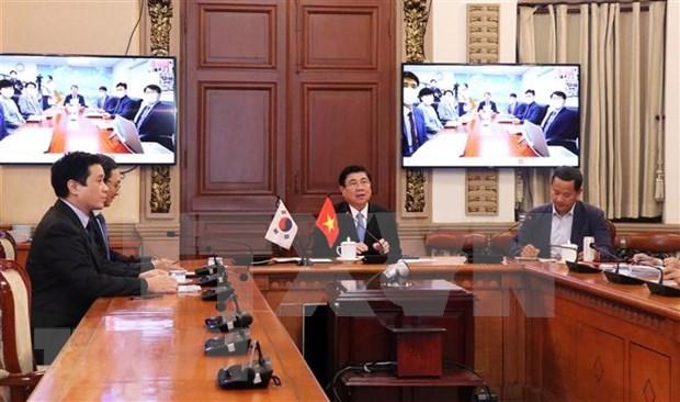 Ciudades vietnamita y surcoreana comparten experiencias en lucha contra COVID-19 y recuperacion economica hinh anh 1