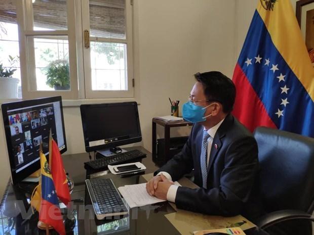 Empresas de Vietnam buscan impulsar exportaciones de insumos medicos a Venezuela hinh anh 1