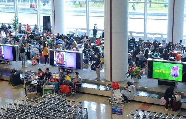 Propone eliminar distancia de seguridad entre asientos en vuelos desde Da Nang hinh anh 1