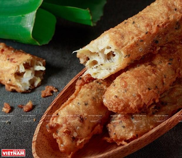 Pastel de platano frito, merienda favorito de los escolares en Vietnam hinh anh 1
