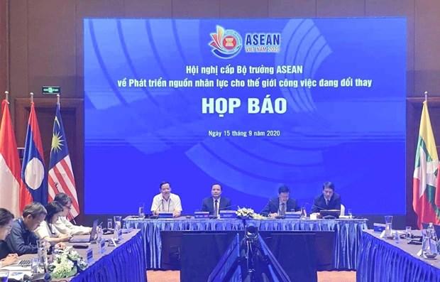 ASEAN impulsa cooperacion sobre desarrollo de recursos humanos hinh anh 1