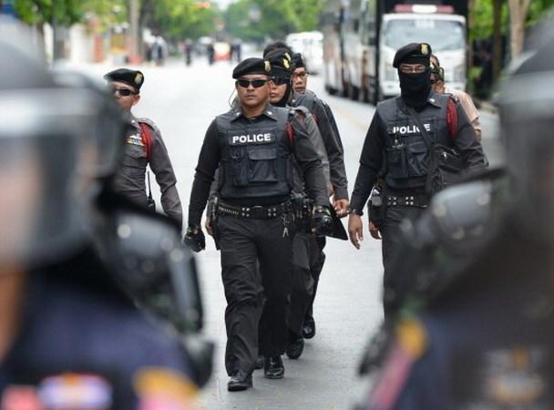 Policia de Seccion Especial tailandesa protegera Casa del Gobierno de los manifestantes hinh anh 1