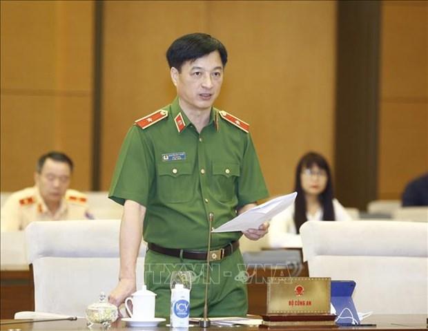 Comite Permanente del Parlamento vietnamita debate Ley de garantia de orden y seguridad vial hinh anh 1
