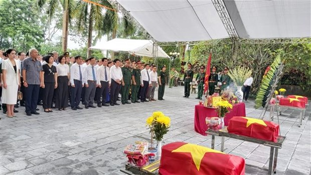 Celebran en provincia vietnamita homenaje postumo a martires caidos en defensa de frontera hinh anh 1