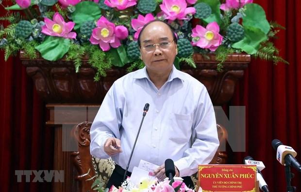 Premier vietnamita pide garantizar suministro de agua a pobladores infectados por sequia y salinizacion en Delta del Mekong hinh anh 1