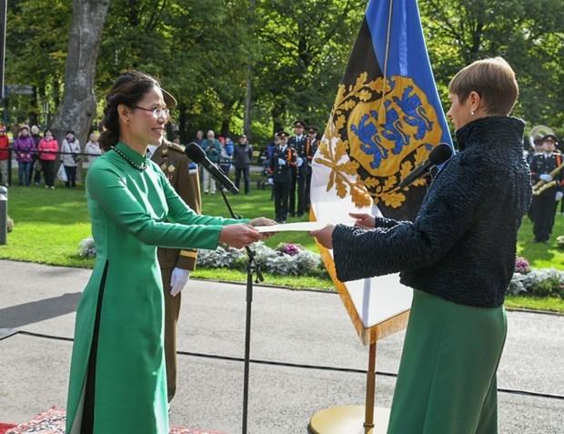 Presidenta de Estonia confia en relaciones mas estrechas con Vietnam hinh anh 1
